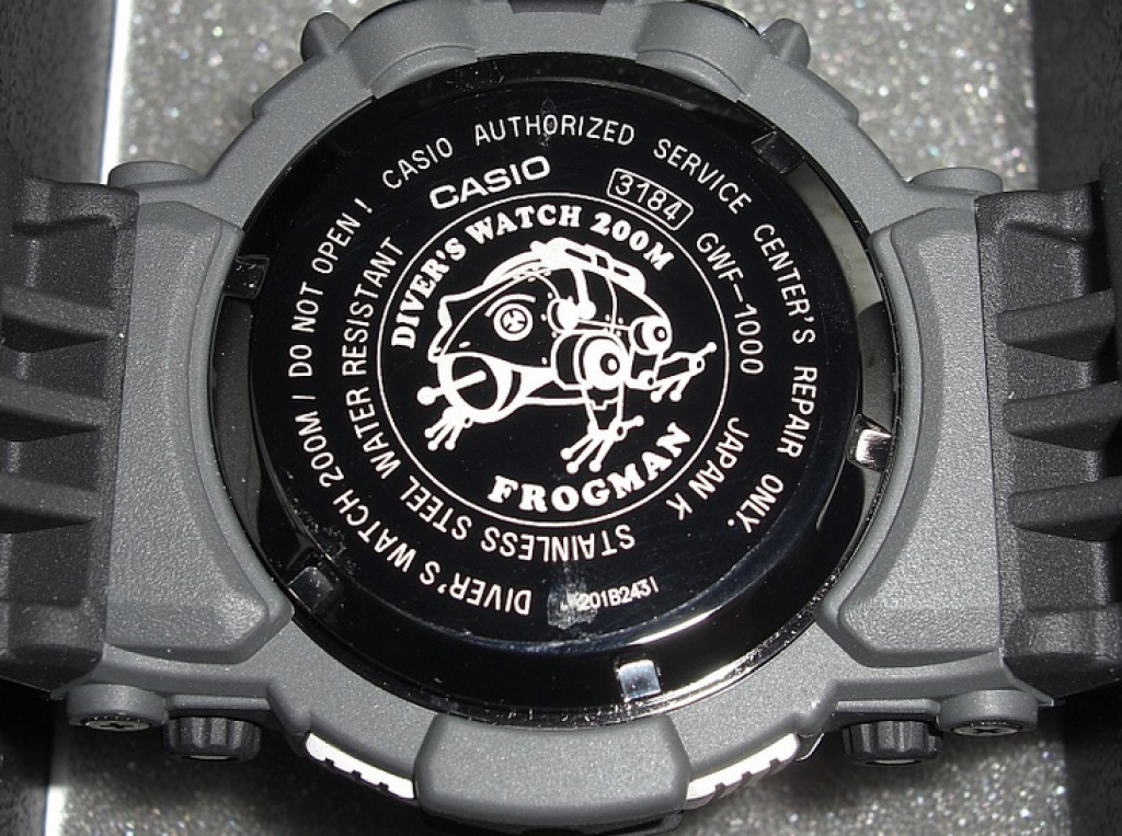 casio-g-shock-gwf-1000-1jf-back