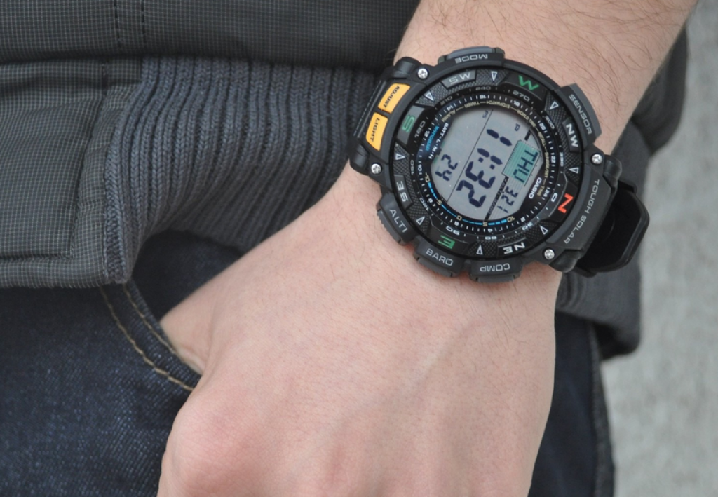 casio-pag240-1cr-pathfinder-on-the-hand