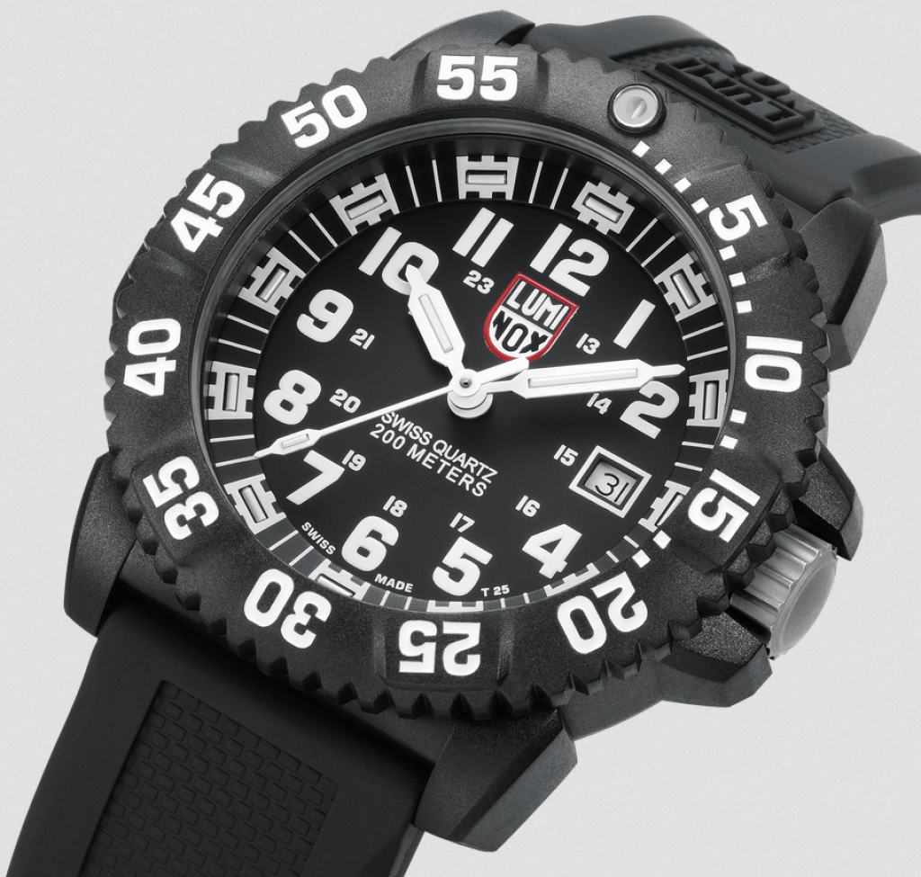 luminox-3051-evo-navy-seal-colormark-watch-detail