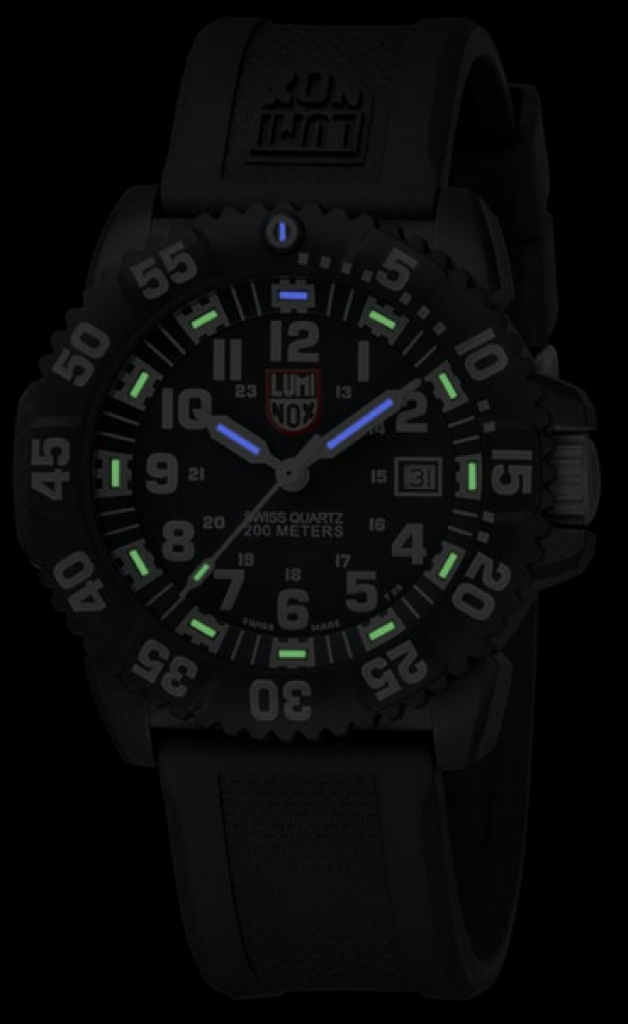 luminox-3051-evo-navy-seal-colormark-watch-in-dark1