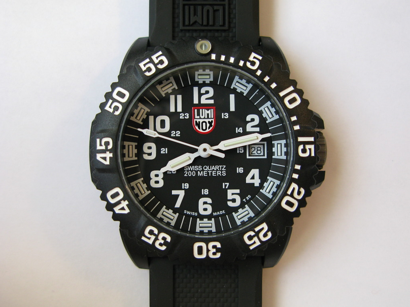 Check Out Pricing and Reviews on Amazon. Luminox Men s 3051 EVO Navy SEAL  Colormark Watch Review d0d1a44156f