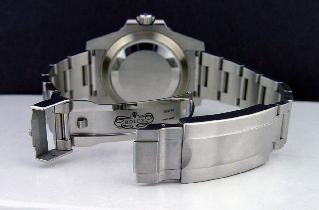rolex-submariner-114060-dive-watch-from-back-open-clasp