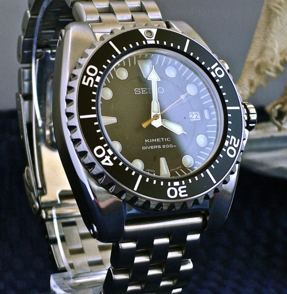 Seiko SKA371 Dive Watch_3
