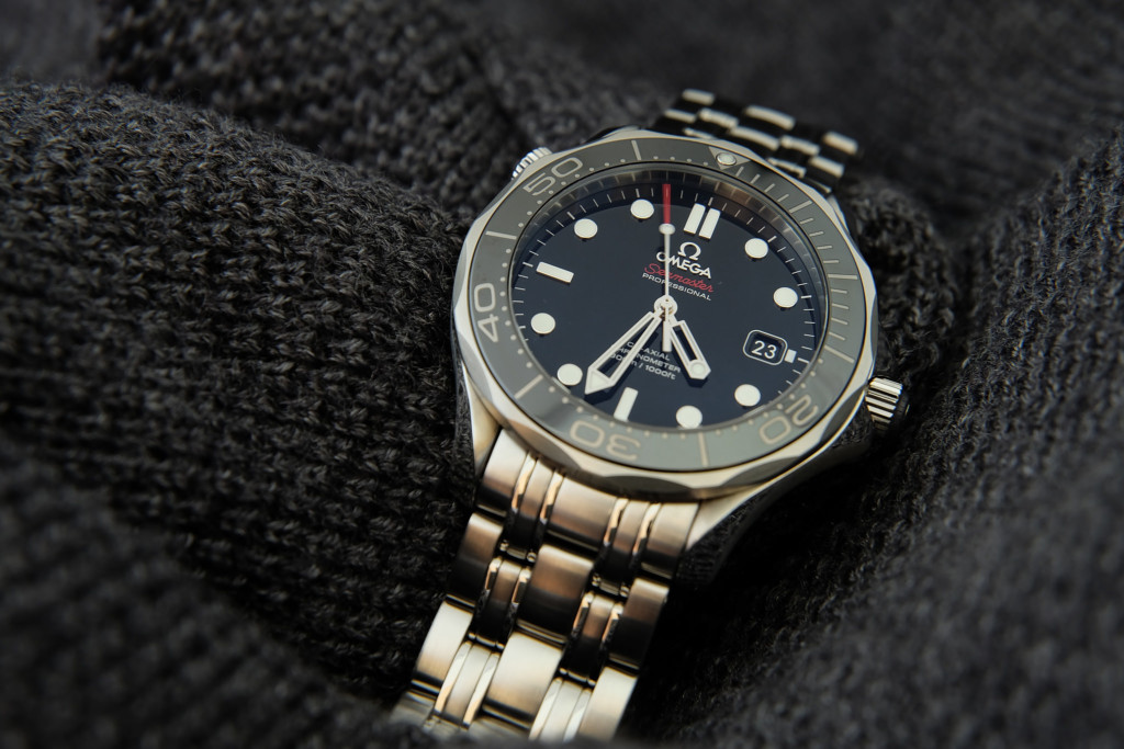 Omega Seamaster Professional 212.30.41.20.01.003 Black Dial Review-2