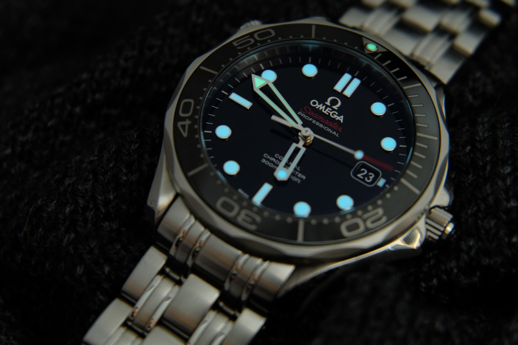 Omega Seamaster Professional 212.30.41.20.01.003 Black Dial Review-3