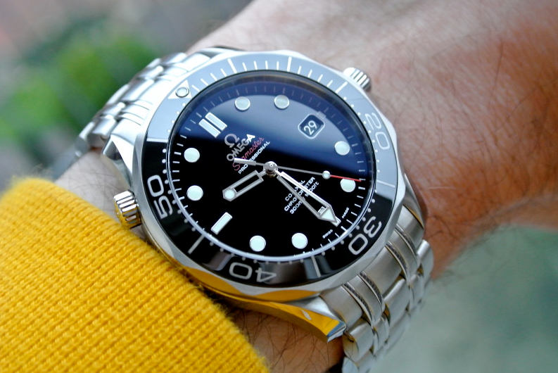 Omega Seamaster Professional 212.30.41.20.01.003 Black Dial Review