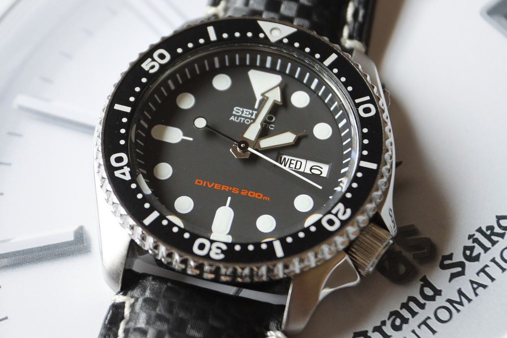Seiko SKX007K Automatic Dive Watch Review
