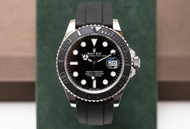 Rolex Oyster Perpetual Yacht-Master 42 front view