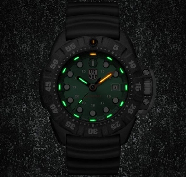Luminox Watch Scott Cassell Deep Dive Carbon 1567 view