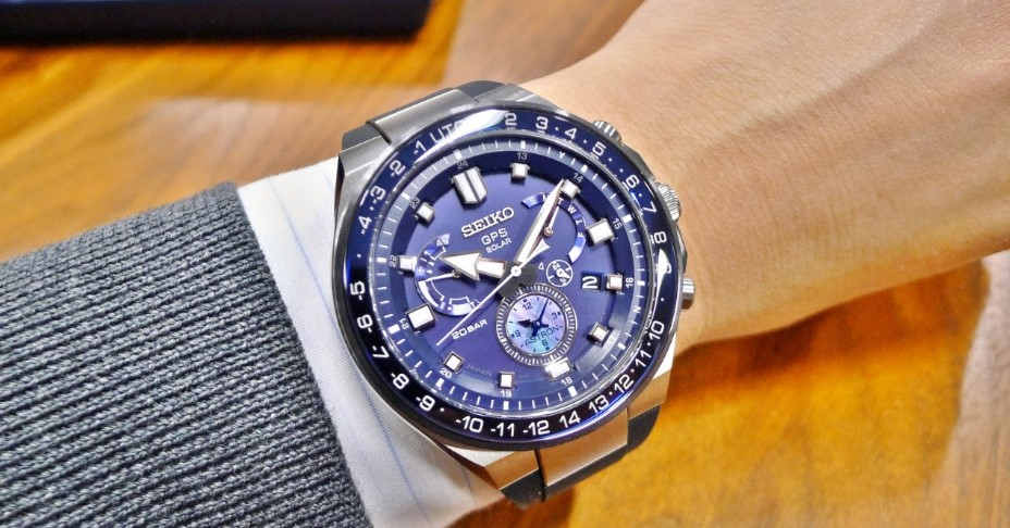 Seiko Astron GPS Solar Executive Sports Series view