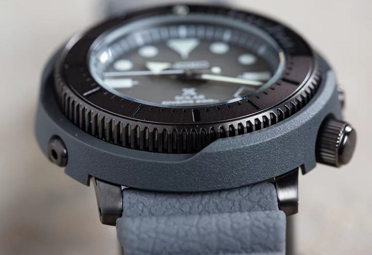 SEIKO PROSPEX STREET SPORTS SNE537P1 REVIEW